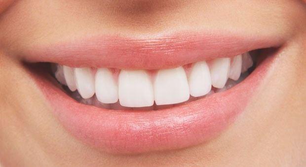 Dişlerimiz, sindirim sistemimizin ilk adımı olan ağzımızda bulunan ve yiyeceklerin öğütülmesi ile görevlendirilmiş parçalardır.