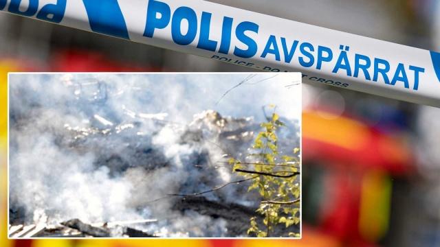 """İsveç'in  Trollhättan kentinin dışındaki Upphärad mahallesindeki bir villada çıkan şiddetli yangının ardından dün iki kişi ölü bulundu.  Polis Cumartesi günü yaptığı açıklamada, yanan evin kalıntılarında bir ceset daha bulunduğunu duyurdu.  Villadaki yangın Perşembe günü erken saatlerde çıktı.  Norra Älvsborgs Räddningstjänstförbund yetisi Andreas Elfström, yangınla ilgili ilk """"ihbarı yoldan geçenler ve komşular yaptı, çok sayıda arayan oldu"""" dedi.  Yangın şiddetlendi ve ev kurtarılamadı.  """"Bodrumu aramayı başardık ama binanın geri kalanı çok fazla ısınmıştı"""" diyen Andreas Elfström, alevlerin her tarafı sardığını söyledi.  Kurtarma ekibi bu nedenle evin kontrollü koşullar altında yanmasına izin verdi. Yangın öğleden sonra söndürüldü."""