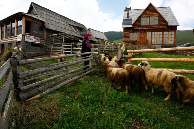 Hem şehrin gürültüsünden kaçmak hem de doğada yürüyüş yapmak isteyenlerin tercihi olan Prokosko, son yıllarda özellikle Arap turistlerin gözdesi haline geldi.