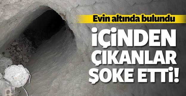 Mardin'in Nusaybin ilçesinde sokağa çıkma yasağını devam ettiği mahallelerde yapılan aramalarda, bir evde PKK'lı teröristlerce kazıldığı belirlenen bir tünel ortaya çıkarıldı.