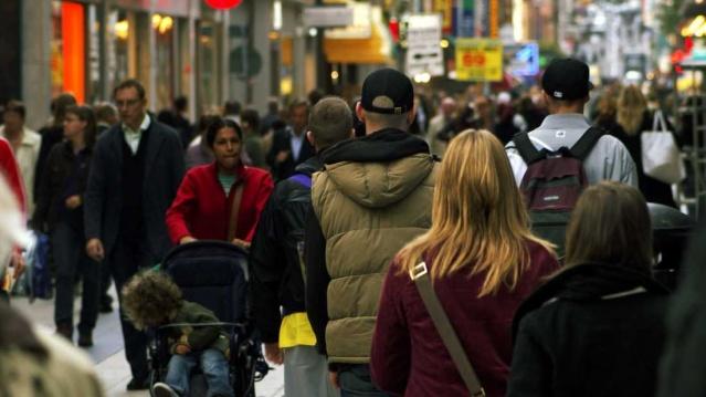 İsveç'te 2020 yılında son on beş yılın en düşük nüfus artışı yaşandı.  İsveç İstatistik Kurumu (SCB) bugün yayınladığı resmi nüfus istatistiklerinde 2020 yılında son on beş yılın en az büyümesini gösterdi.