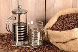 1- İyi bir kahve çekirdeği  İstediğiniz bir markaya ait olan kahveyi seçerken, makinenize uygun olmasına ve taze olmasına özen gösterin.  Kalın: Kahve presinde pişirilecekse 6 saniye öğütebilirsiniz.  Orta: Zemini düz olan filtre kahve makinelerinde kahvenizi 8-10 saniye pişirebilirsiniz.  Ekstra ince: Koni şeklinde olan fitre kahve makineleri ve espresso makineleri için 15 saniye öğütmek yeterli olabilir.