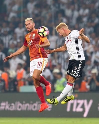 Üçüncü penaltılarda Tolga Ciğerci de topu ağlara gönderirken, Beşiktaş'ta Atiba Hutchinson da penaltıda Muslera'ya takıldı ve Galatasaray kupayı müzesine götürdü.