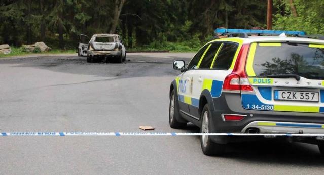 Olayla ilgili fazla detay vermeyen olay yeri inceleme ekibi, iddialara göre şahsın önce öldürüldüğü sonra da araçta yakılarak delillerin yok edilmesi istendiği belirtiliyor.  Olayla ilgili soruşturma devam ediyor.  Semihhan AYDEMİR / İsveç Gündemi
