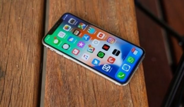 Peki rakiplerde durum nasıl? Samsung Galaxy Grand Prime Plus, 8.3 milyon adet ile en çok satan üçüncü model oldu. Bu akıllı telefonu sırasıyla 8 milyon ve 7.4 milyon adet ile iPhone 8 Plus ve Galaxy S9 Plus takip ediyor. Çin şirketler ise dünya genelinde pazar paylarını artırmalarına rağmen bu sene ilk 10'a girmeyi başaramadı.