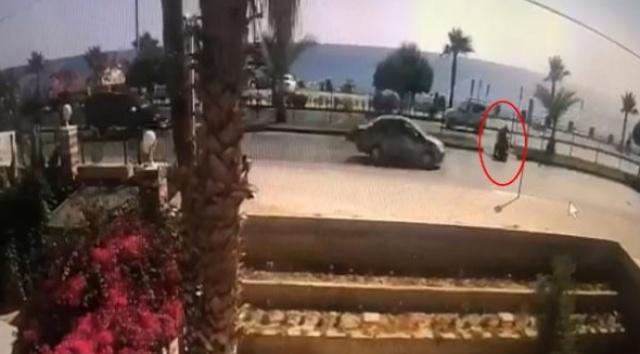 Antalya'nın Alanya ilçesinde, İsveç vatandaşı Dijana Konakovic'in (60) elektrikli bisikletle yolun karşısına geçmek isterken, minibüsün çarpması sonucu yaşamını yitirdiği kazanın güvenlik kamerası görüntüleri ortaya çıktı.