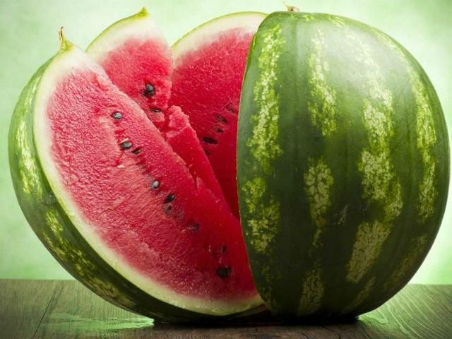 Diyetisyen Dilara Süngü Bulut, yaz aylarının vazgeçilmez lezzeti karpuzun diyet yapanların favori meyvesi olduğunu söyledi.