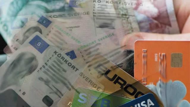 4. Kimlik belgeleri  Cüzdanınızdan ve diğer değerli eşyalarınızdan korkun. Bir kimlik kartı, ehliyet veya pasaportunuzu kaybettiyseniz, UC'de derhal bir kayıp raporu hazlamanız gerekir. Bu, bir hırsızın kimlik eyleminizi örneğin adınıza borç almak veya ticaret yapmak için kullanmasını zorlaştırır. UC ID koruması ücretsiz bir kayıp raporu içerir.  Önemli! Sigorta şirketiniz size ödeme yapmadan birçok konuda sizi araştırır ve yaptığınız hatalardan doğan ihmaller sonucunda yaşanan olaylara size ödemeyi zorlaştırır.