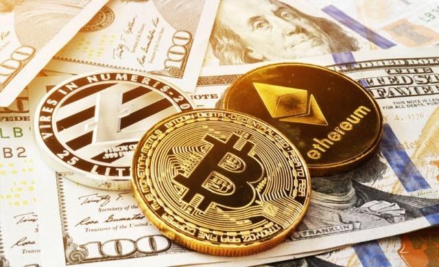 """21 Temmuz'da 30 bin dolar sınırından tırmanışa geçen Bitcoin, 50 bin doların üzerinde tutunamadı ve yükseliş trendi desteğini test etti.Kripto paralar için son dönemlerin en kritik ayı eylül. Açıklanması beklenen düzenlemelerin şiddeti, kripto paralarda kısa ve orta vadede yönü belirleyecek.  Kripto para yatırımcılarının aralarında söylediği bir söz vardır: """"Kripto her koşulda pişmanlıktır."""" Bu sözün altında yatan neden kripto paraların her iki yönde sert fiyat hareketleri yapması nedeniyle yatırımcıların alım ya da satımda 'en iyi' seviyeleri yakalayamamaları yatıyor.  Yani satış yapanlar yükseliş sürerse 'keşke bekleseydim' derken alım yapanlar da olası düşüşlerde 'keşke acele etmesiydim' diyor. Bu kriptoların doğasında var. Bu piyasada işlem yapıyorsanız alım satımlarda doğru yeri tutturmak çok zor. Ansızın gelecek bir haber iki yönde de sert fiyat hareketlerine neden olabiliyor. Bazen sert fiyat hareketleri için bir 'habere' bile ihtiyaç olmayabilir. Bitcoin'e gelen yüklü bir satış bütün piyasayı kan gölüne çevirebilir."""