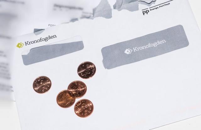 İsveç'te kredi kullanımı oranları, ödeme güçlüğüyle birlikte Kronofogden'e giden kişiler hakkında bir istatistik yayınlandı.  Lendo'nun verilerine göre, bireysel kredi kullanımı konusunda erkekler ve kadınlar arasındaki farkın azaldığını gösteriyor.