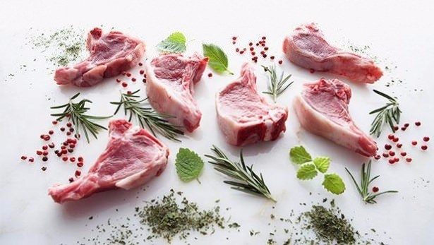 Mangalda veya tavada lezzetli et pişirme ve lezzetli köfte yapmak istiyorsanız bir kaç püf noktasına dikkat etmelisiniz. İşte lezzetli köfte ve et yapmanın sırrı;