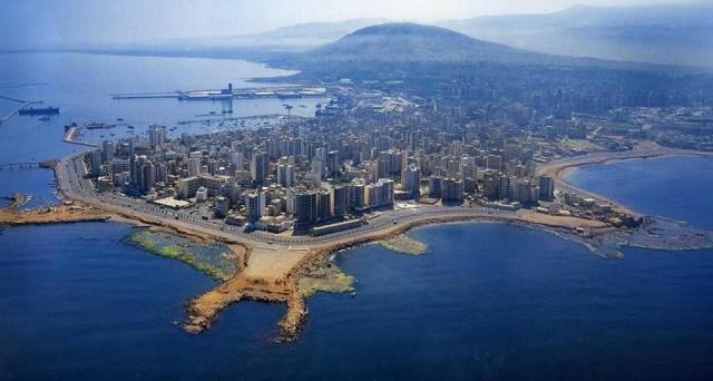 Lübnan  90 gün vizesiz.   Pasaportunuzda İsrail'e ait giriş-çıkış damgası varsa Lübnan'a giremiyorsunuz.  Türkiye Cumhuriyeti vatadaşlarından vize istemeyen ülkelerden biri de Madagaskar   Kapıda vize uygulaması var.  Havalimanlarında 31 Euro karşılığında 30 günlük vize alınabiliyor.  Bir diğer ülke de Makau   30 gün vizesiz.