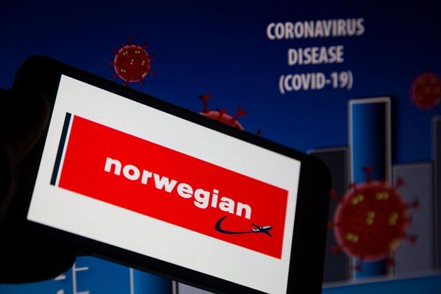 Norwegian havayolu şirketi ekonomik krizde boğuluyor. Şuana kadar binlerce çalışanını işten çıkaran şirketin hizmetleri durma noktasına geldi.  Norwegian'in hisse senetleri Çarşamba günkü duraklatılmadan sonra yeniden satışa açıldı. Ancak ekonomik krizle boğuşan şirketin hisseleri Oslo Borsası'nda yaklaşık yüzde 14 düşüş gösterdi.