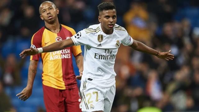 7. Rodrygo  Rodrygo, kariyerinin ilk hat trickini bir Şampiyonlar Ligi maçında kaydetti ve Galatasaray ağlarına 3 gol gönderdi.   Brezilyalı futbolcu zaten ilk 7 dakikada 2 gol attı. Son dakikada da skoru belirleyen golü sarı kırmızılı takımın ağlarına bıraktı.