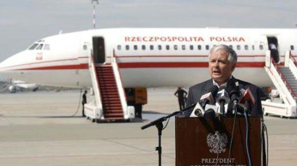 POLONYA CUMHURBAŞKANI DA BU UÇAKTA CAN VERDİ  Tupolev TU-154 tipi uçak kamuoyunun gündemine daha önce, Polonya CumhurbaşkanıLech Kaczynski'nin ölümüyle gelmişti.