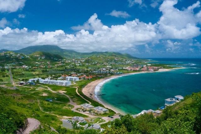 Saint Kitts (Saint Christopher) ve Nevis Adaları  180 günde 90 günü aşmayacak şekilde vizesiz.