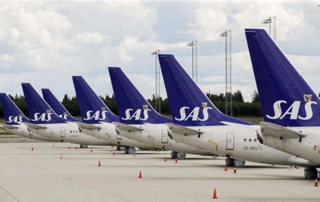 SAS, salgın sırasında seyahatleri iptal edilen yolculara yapılan geri ödemelerde çok geç kaldı. Ocak ayında, İsveç Tüketici Bürosu, şikayetler alınmaya devam ettiği için iptal edilen seyahatler için geç iadeler konusunda şirket aleyhine bir denetim davası açtı.  SAS'a iyileştirme fırsatı verildi, ancak İsveç Tüketici Ajansı tarafından şirkete verilen ek sürede de henüz net bir sonuca varılmadı.