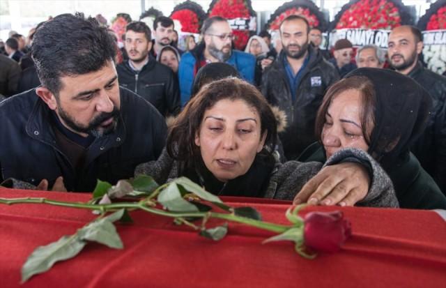 Ankara'daki terör saldırısında yaşamını yitiren ODTÜ öğrencisi Ozan Can Akkuş'un cenazesi Gaziantep'te toprağa verildi.