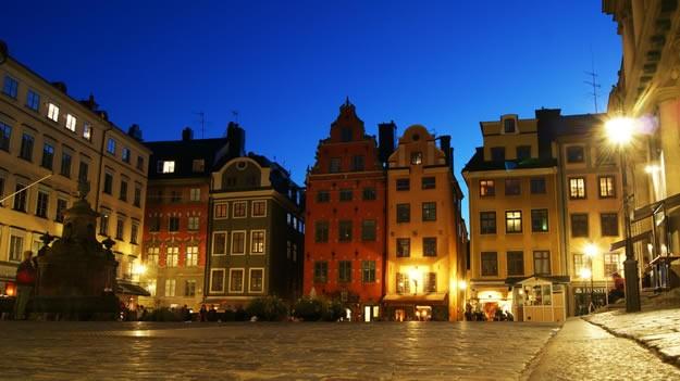 Büyük Meydan (Stortorget), Gamla Stan bölgesinde yer alan en eski meydandır. Bir dönem Stockholm'ün politik ve ticari merkezi olan meydan, günümüzde turistlerin en çok fotoğraf çektiği yerlerden biridir.