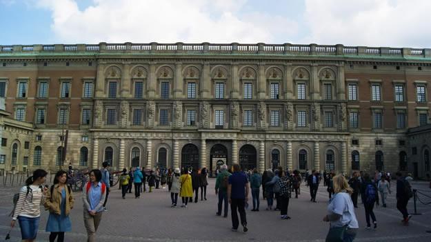 Kraliyet Sarayı, İsveç Kraliyet Ailesi'nin resmi ikametgahı ve günlük işlerini yürüttükleri yerdir.