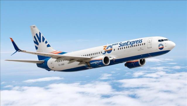 İsveç'te en çok merak edilen uçuşlardan biri olan SunExpress'in Arlanda, Konya, Antalya ve İzmir uçuş planları da bu ayın içinde yapılacağı görülürken, havayolu şirketi ilk uçuşlarını Ankara'dan Düsseldorf'a, Antalya'dan Hamburg'a, İzmir'den Zürih'e olmak üzere, Ankara, Antalya ve İzmir'den dış hat uçuşu düzenleyen ilk havayolu oldu.