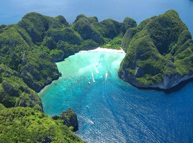 Tayland  30 gün vizesiz.  Tayland, havalimanı yoluyla ülkeye girişte 30 günlük, kara sınır kapıları yoluyla girişlerde 15 günlük vize veriyor.