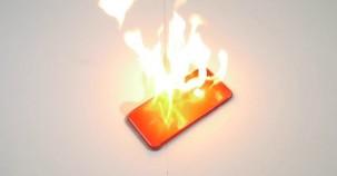 Kırmızı iPhone 7'yi ateşe verdi işte sonuç