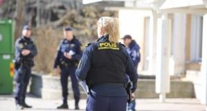 Huddinge'de şiddet gören kadın öldü