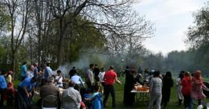 UETD İsveç'te Aileleri  Piknikte Buluşturdu...