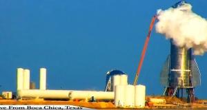 İnsanları uzaya götürecekti: SpaceX roketi, test sırasında patladı