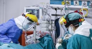 Yoğun bakımdaki genç hasta sayısı arttı... Yüzde 100 doluluk oranına ulaşan hastane görüntülendi