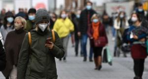 Virüs hız kazandı: Bir ülke daha kapanıyor