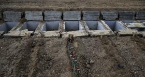 Ankara'daki korona mezarlığı hüzünlü hikayelere tanıklık ediyor
