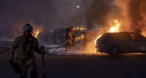İsveç'te araçların ateşe verildiği görüntüler ortaya çıktı