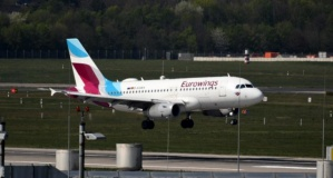 Almanya'dan İtalya'ya giden yolcu uçağı inmeden geri dönmek zorunda kaldı