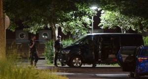 Älvsjö'de silahlı saldırı üç yaralı, yedi gözaltı