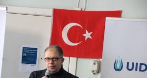 İsveç'te Büyükelçilik vatandaşla içiçe