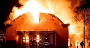 Kral ve Olof Palme'nin de eğitim aldığı okulun bir bölümü yanarak kül oldu