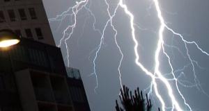 İsveç'te fırtına ve olası orman yangıları için yüksek alarm