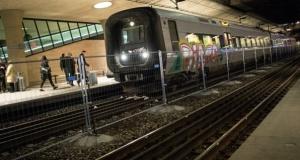 Trenin çarptığı iki kişi yaşamını yitirdi