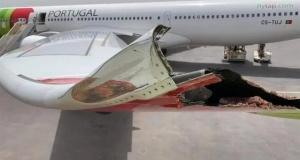 Yolcu uçağı aydınlatma direğine çarptı!