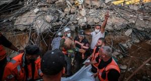 İsrail'in Gazze Şeridi'ne düzenlediği saldırılarda yaşamını yitirenlerin sayısı artıyor