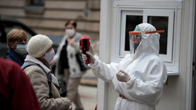 Dünya genelinde yeni tip koronavirüs (Covid-19) vaka sayısı 49 milyon 381 bini, virüs nedeniyle hayatını kaybedenlerin sayısı 1 milyon 244 bine yükseldi, iyileşenlerin sayısı ise 35 milyon 160 bini aştı.