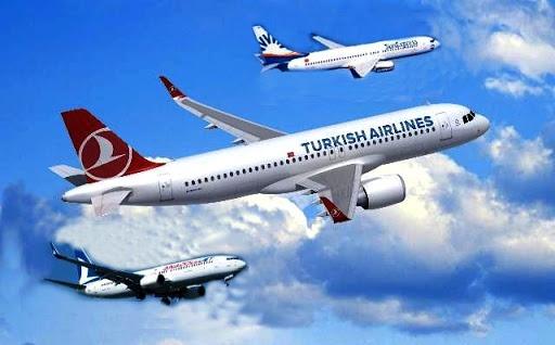 İsveç'ten Türkiye'ye uçmayı bekleyen binlerce vatandaş aylardır ne zaman uçacağını merak ederek bekliyor.  Türk Hava Yolları (THY) ve SunExpress uçuşları bir son dakika sıkıntısı yaşanmazsa yarın gerçekleşiyor.  THY Arlanda - Ankara ve SunExpress Arlanda - Konya uçuşlarıyla ilk seferlerini gerçekleştirecek.