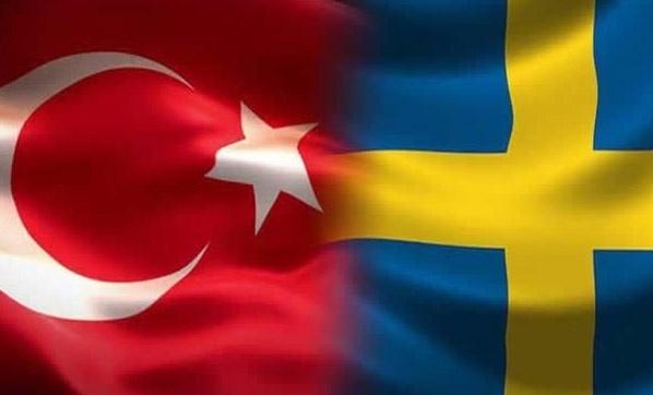 İtalya'da patlak veren ve giderek artış gösteren koronavirüs vakalarından sonra Türkiye ve İsveç'ten vatandaşlarına uyarı yapıldı.