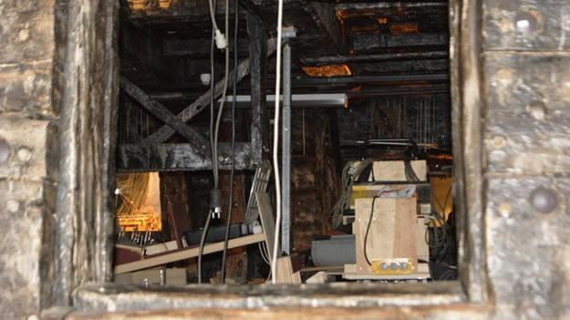 """Ardından tamamı su yüzüne çıkarılarak, hemen tersaneye çekilmiş ve koruma altına alınmış. Meşe ağacından yapıldığı için çürümeyi engellemek amacıyla yüzeyine 17 yıl boyunca polietilen glikol uygulanmış, devam eden süreçte 9 yıl boyunca """"yavaş kurutma"""" işlemi yapılmış. Önce geçici bir müzeye, 1990 yılında ise özel olarak hazırlanmış Vasa Müzesi'ne taşınarak ziyarete açılmış."""