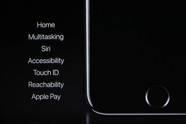 Yenilenen Apple Watch'ta kullanılan işlemci S2 olarak lanse edildi. Çok daha hızlı olan bu işlemci bir yana daha parlak bir görüntüye sahip olan yeni saatlerde dahili GPS de bulunuyor. Su geçirmez özelliği sayesinde de kullanıcılar denize girerken de saatlerini çıkarmasına gerek kalmayacak.