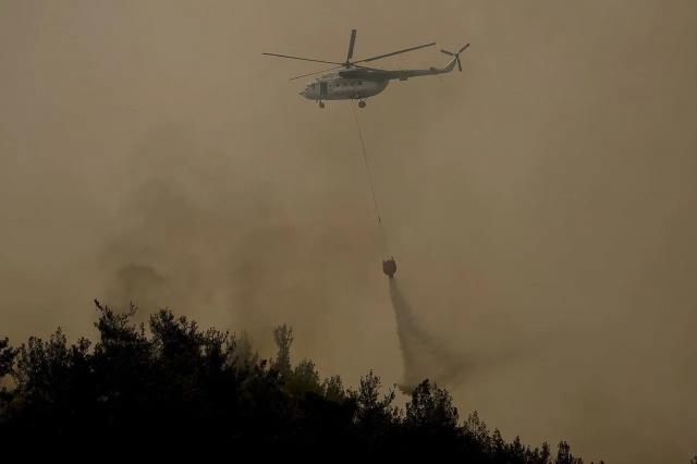 Orman yangınlarıyla mücadeleye yabancı ülkelerden toplamda 18 hava aracı destek verirken bunlardan 16'sı ücretsiz katkı sağlıyor.  Türkiye'nin güney kesimlerini 28 Temmuz'dan bu yana etkisi altına alan orman yangınlarıyla mücadelede, toplamda 18 yabancı hava aracı aktif olarak faaliyet gösteriyor.