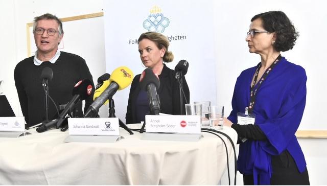 İsveç'te yetkililere güven azalıyor. Kadınların yarısı ve erkeklerin üçte biri koronavirüs konusunda endişeli.  Yapılan bir anket çalışmasına göre, kadınların yarısı ve erkeklerin üçte biri yurtdışına sehayat etmekten de korkuyor.  İsveç makamlarının krizi ele alma becerisine olan güven azalıyor.