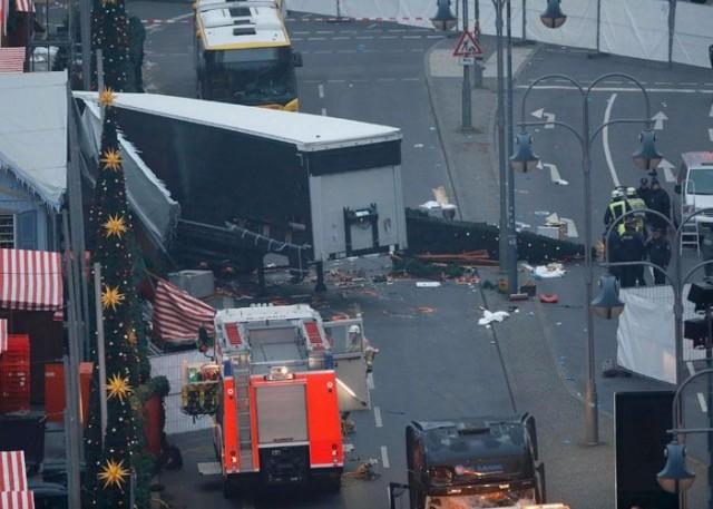 Almanya'nın başkenti Berlin'de dün gece meydana gelen tır saldırısı için Alman polisi açıklama yaptı.